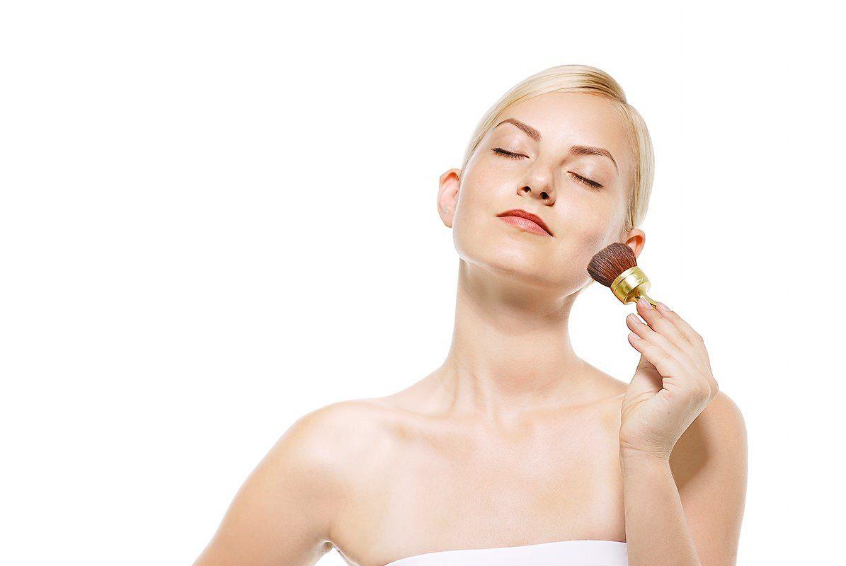 化粧の濃い人・薄い人の深層心理や特徴・性格とは?