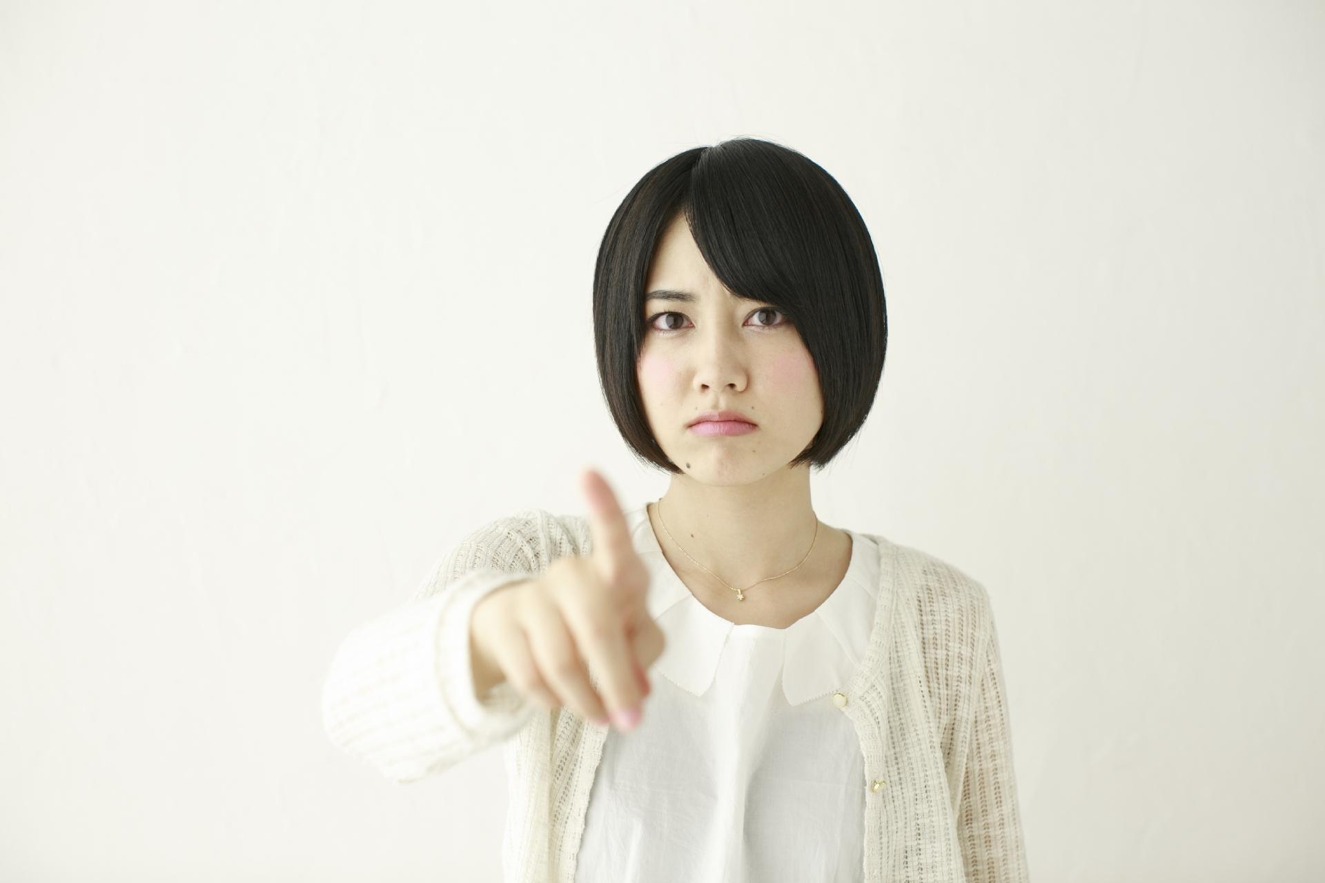 嫉妬深い女性の心理や特徴とは?ヤキモチを辞める方法