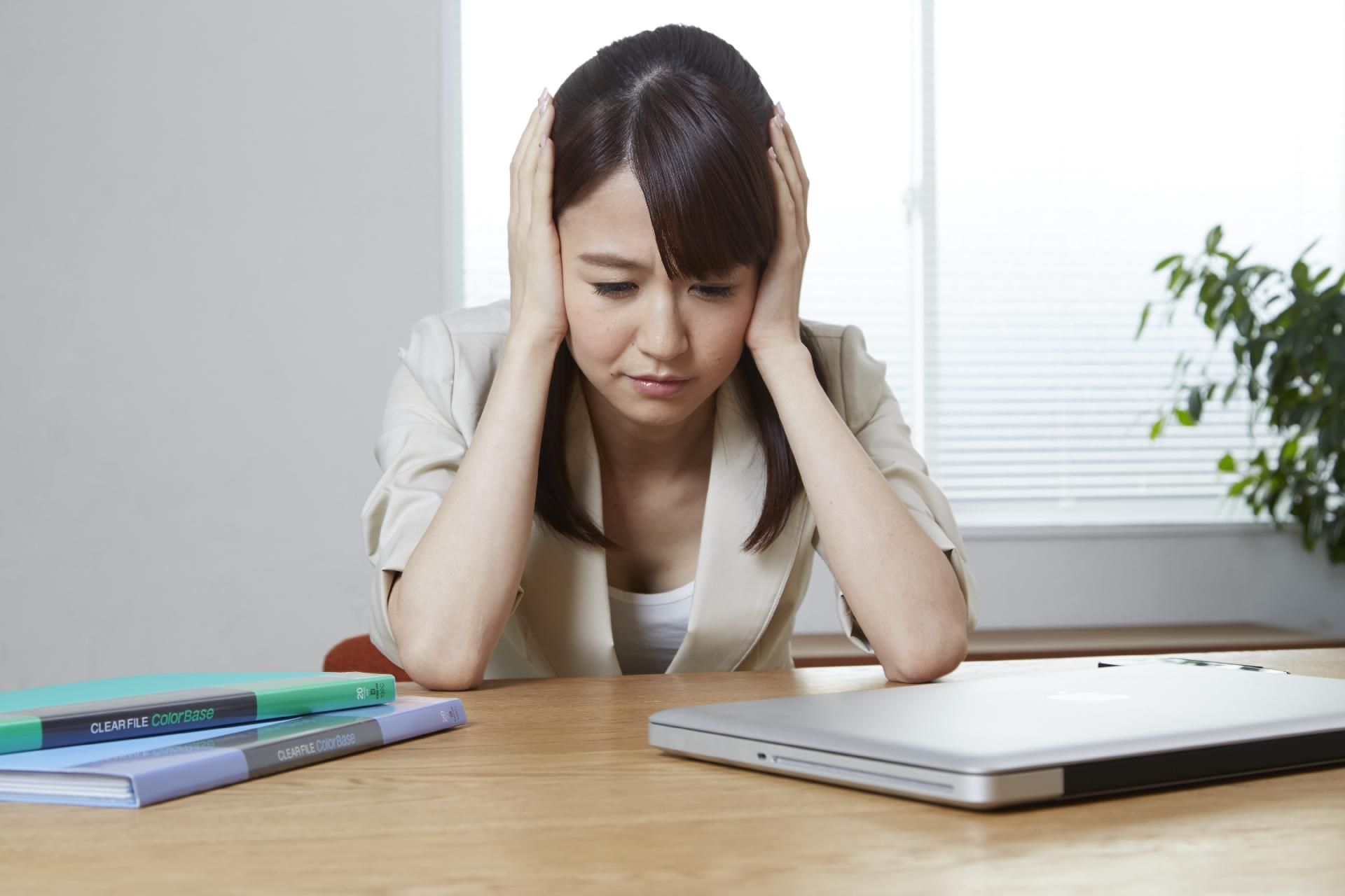 【耳鳴り・激しいめまいを感じる】メニエール病の症状や治療法とは?