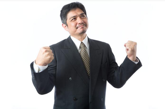 「自分大好き!」自慢ばかりする上司の性格や特徴とは?