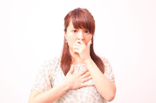 唇が震えるのは病気?口に関わる心の病との関係性とは