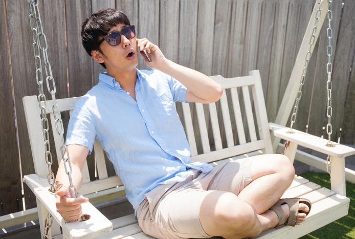 電話が嫌いな男性